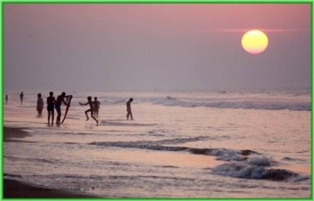 Свое название Индийский океан получил в честь самой большой страны в регионе - индийцы на берегу океана